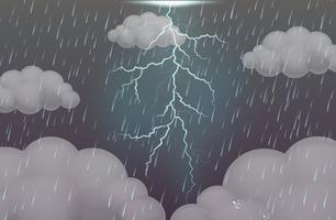 Grå himmel med kraftigt regn och åska