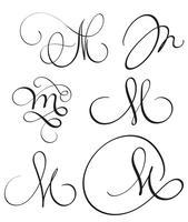 uppsättning konst kalligrafi brev M med blomning av vintage dekorativa whorls. Vektor illustration EPS10