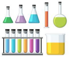Bägare med färgglad vätska