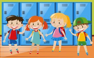 Vier Kinder im Umkleideraum
