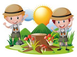 Zwei Jungs im Safarioutfit