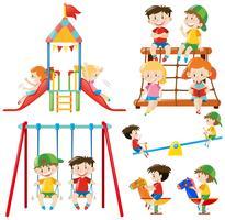 Många barn leker på lekplatsen vektor