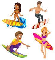 Manliga och kvinnliga surfare