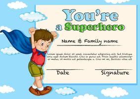 Zertifikatdesign mit dem Jungen, der Superheld ist vektor