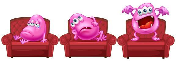 Rote Stühle mit rosa Monstern