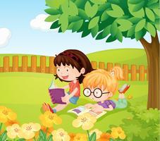 Mädchen, die Bücher lesen