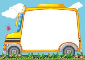 Gränsdesign med skolbuss i trädgård