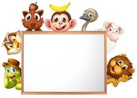 Ein leeres Schild mit Tieren umgeben