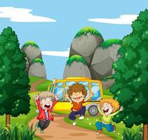 Tre lyckliga pojkar i parken vektor