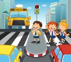 Skolbarn som korsar gatan i staden vektor