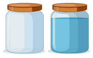 Två behållare med och med vatten