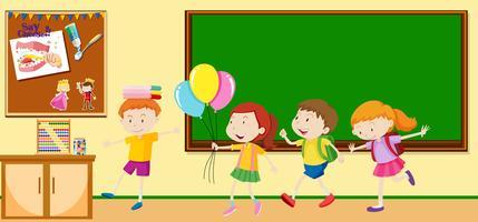 Barn lär sig i klassrummet