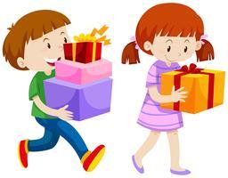 Pojke och tjej med nuvarande lådor