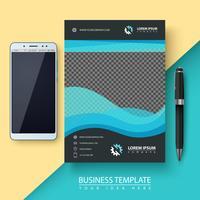 Geschäftsvorlage. Papier, Smartphone, Stift.