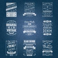 Weiße Typografiekennsätze der Denimjeans