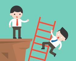 Affärsman klättrar en stege och en annan affärsman pressar den faller från klippan