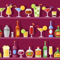 Cocktailglas och flaskor på hyllor