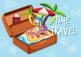 En tjej på stranden i resväska