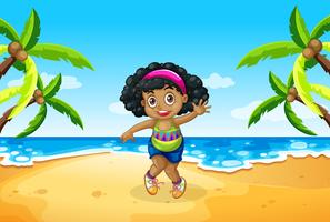 En knubbig tjej på stranden