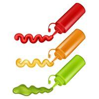 Färgglada plastflaskor med pressade såser