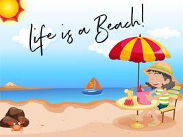Mädchen sitzt am Strand mit Phrase Leben ist ein Strand