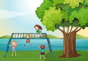 Kinder spielen in der Nähe des Flusses vektor