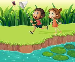 Kinder fangen Schmetterlinge vektor