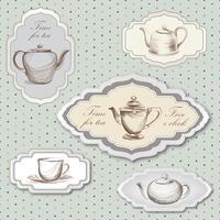 Teetasse, Topf, Wasserkocher Retro-Karte. Teezeit-Weinlese-Kennsatzfamilie. Heiße Getränke