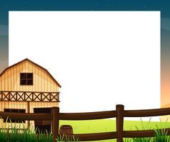 En tom mall med ett barnhus och ett staket