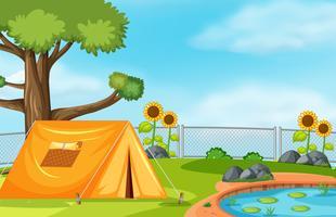 Zelt neben dem Teich