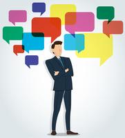Erfolgreicher Geschäftsmann, der gekreuzte Arme mit Chatboxhintergrund steht
