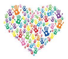 bunte Hände druckt im Herzen vektor