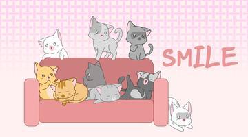 Söt baby katter på soffan.