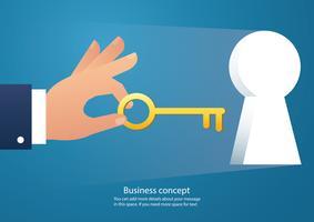Hand, die den großen Schlüssel in Schlüssellochvektor hält