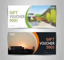 Geschenkgutscheine und Gutscheine, Rabatt-Gutschein oder Banner-Web-Vorlage mit unscharfen Hintergrund.