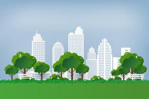 Natürliche Sicht. Grüner Park. Grüner Baum und Gras in der städtischen Stadt bei Sonnenuntergang. Papierkunststil.