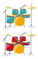 Zwei Sets Schlagzeug in Blau und Rot