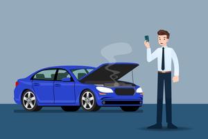 Geschäftsmann, der eine Kreditkarte hält und auf Versicherung wartet, als sein Auto defekt war.