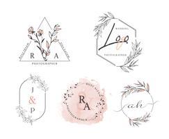 Hand gezeichneter Blatt-Kranz Logo Design