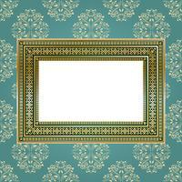 Goldener leerer Rahmen auf der Wand für Ihre Kunst. vektor
