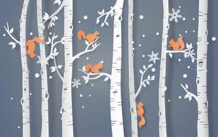 ekorre klättrar på trädet