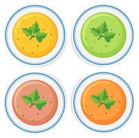 Olika typer av soppa i skålar