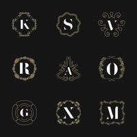 Monogram emblem insignier uppsättning. Kalligrafisk logotyp prydnad vektor