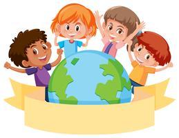 Barn runt en jordklot med banner