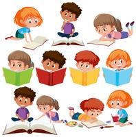 Set med barn läsning bok vektor