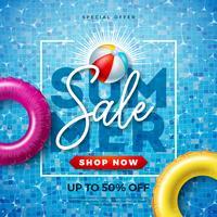 Sommarförsäljning Design med typografi Brev och flottör på vatten i kaklat poolbakgrund. Vector Vacation Illustration med specialtyp typografi för kupong