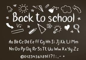 Tillbaka till skolan krita text på svart tavla med skolklotter element och krita alfabet, siffror och skiljetecken.
