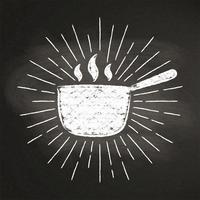 Kalk silhoutte av varm kruka med vintage solstrålar på svarta tavlan. Bra för att laga logotyper, bades, menydesign eller affischer.