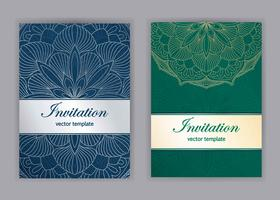 Vintage kort med blomstrande mandala mönster och ornament.