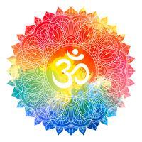 Mandalaverzierung mit OM-Symbol über buntem Aquarellhintergrund. Aum, Ohm-Aufschrift in gezeichnetem Muster der Weinlese Runde Hand für Karteneinladungsdesign, T-Shirt Druck, Hochzeitskarte. Tätowierungselement.